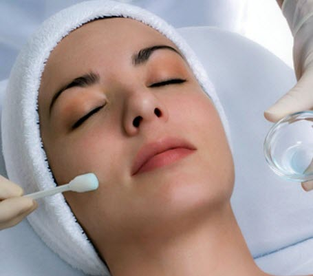 Chemical Peels cosmetic treatment
